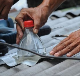 Philippine solar light bottle — a simple invention that is bringing hope to poor in dozens of countries